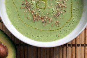 Crema verde de pepinos y aguacate con el Robot de cocina Thermomix