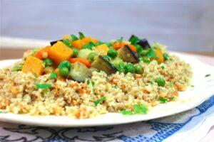 Quinoa con Verduras con robot de cocina Cecotec Mambo